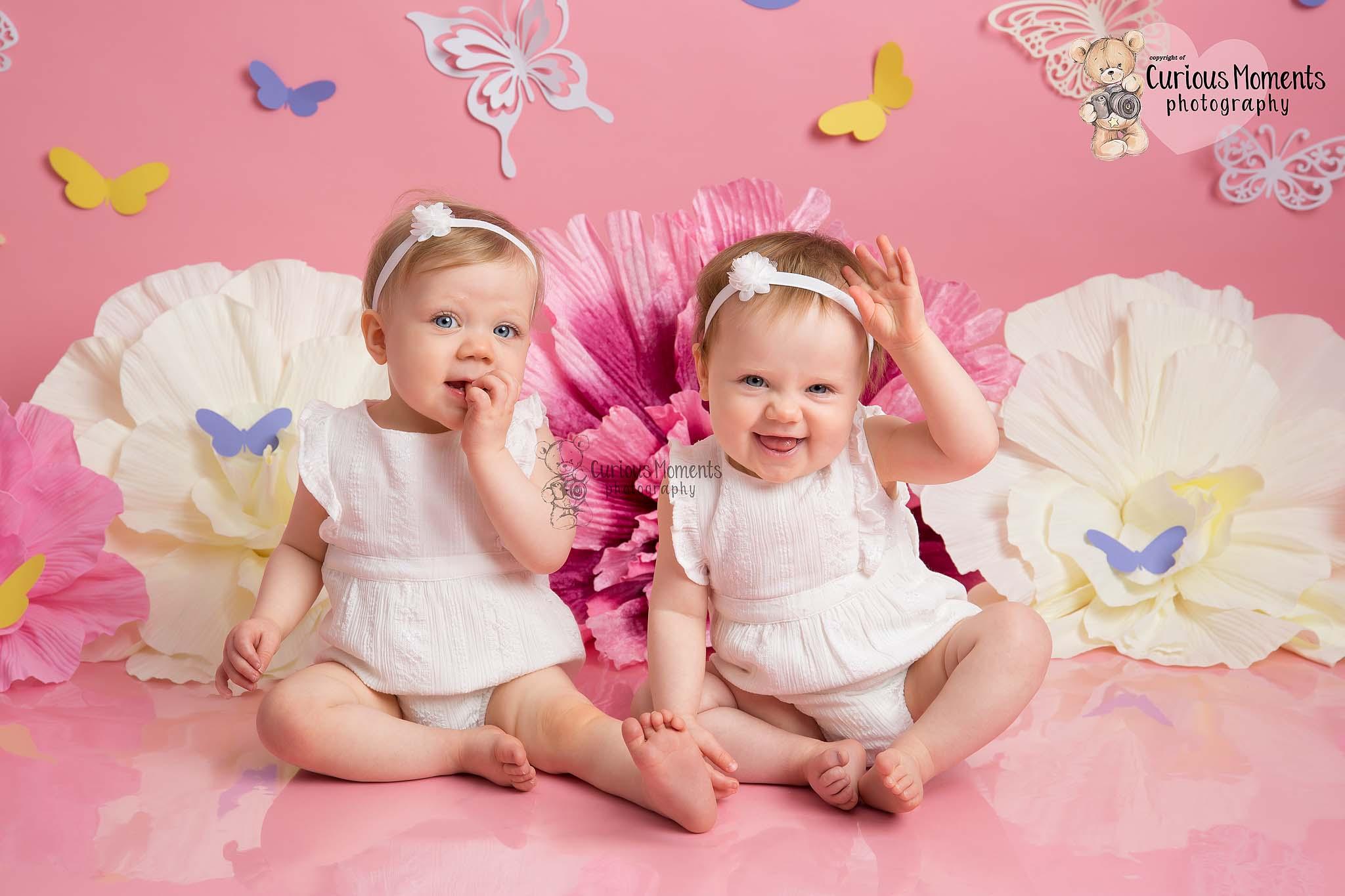 Pink ckae smash twins
